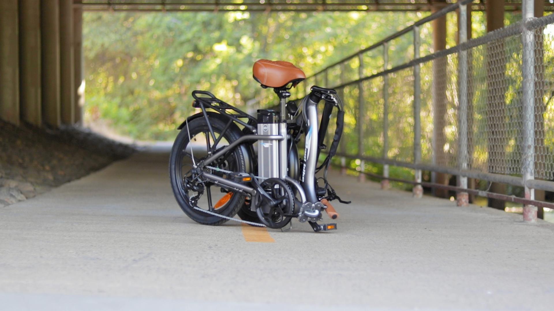 electrified-reviews-bagibike-b10-foldign-electric-bike-review-folded-3.jpg