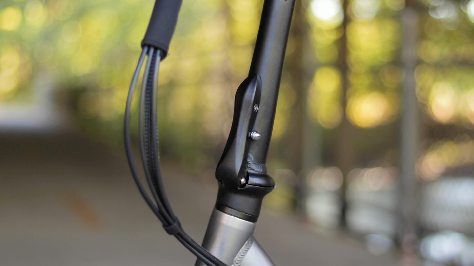 electrified-reviews-bagibike-b10-foldign-electric-bike-review-handlebar-latch.jpg