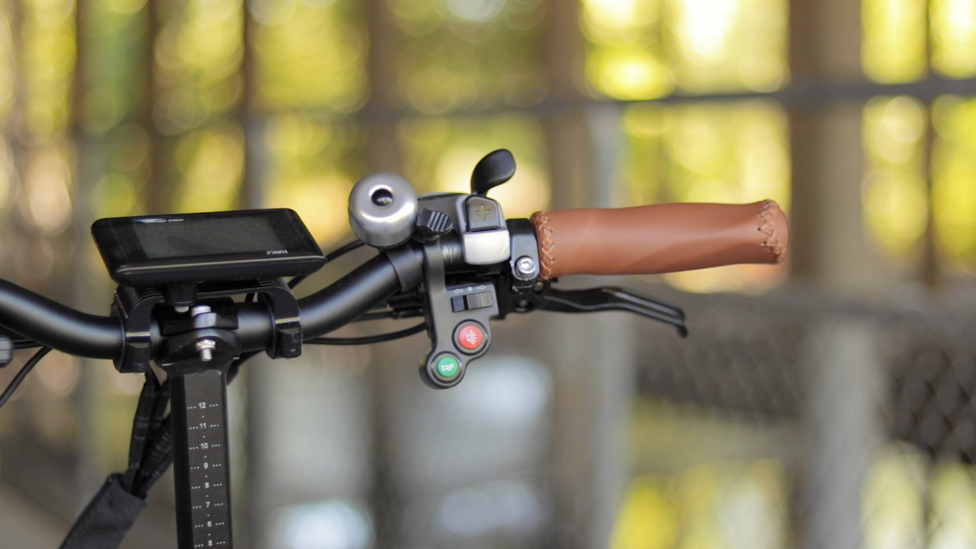 electrified-reviews-bagibike-b10-foldign-electric-bike-review-horn.jpg