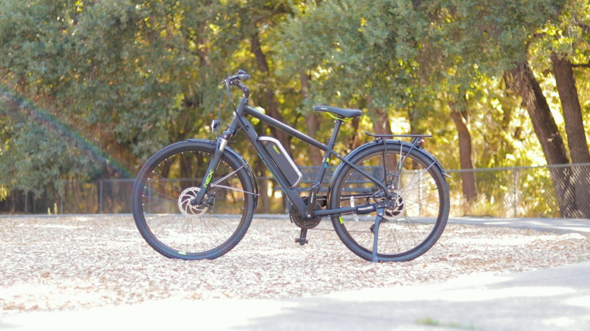 electrified-reviews-izip-e3-brio-electric-bike-review-profile.jpg