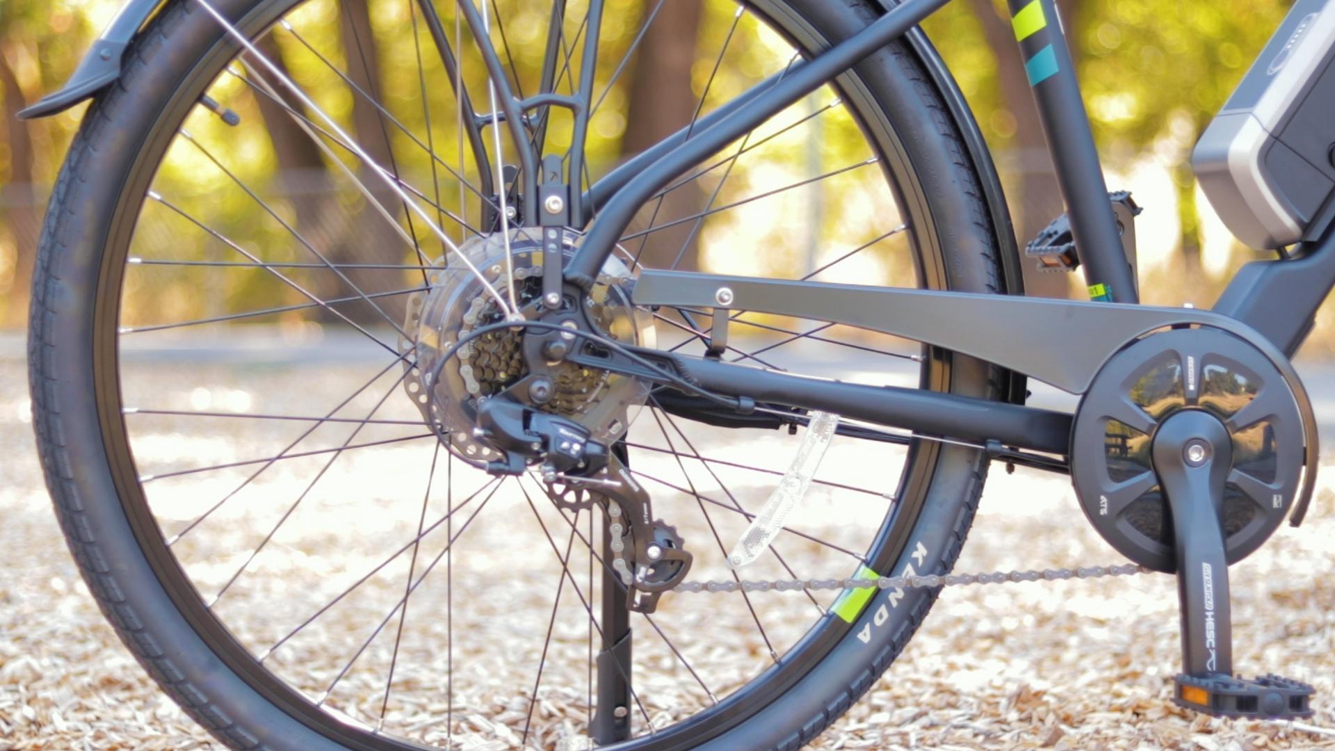 electrified-reviews-izip-e3-brio-electric-bike-review-shimano-tourney-derraileur-far.jpg