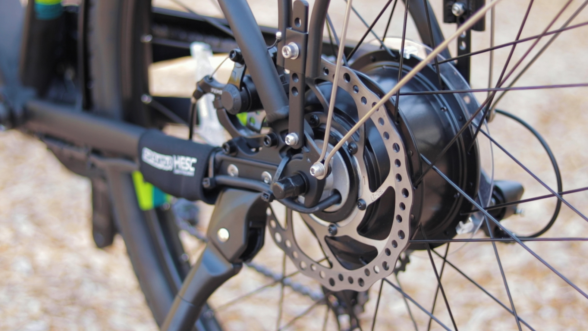 electrified-reviews-izip-e3-brio-electric-bike-review-shimano-hub-motor.jpg