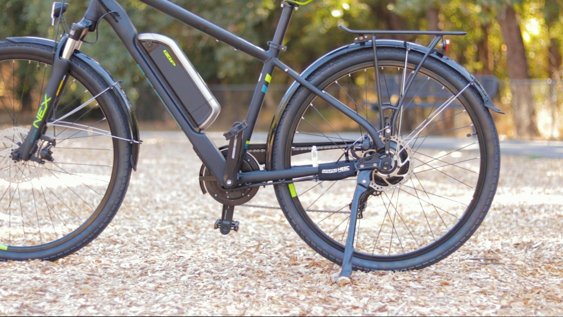 electrified-reviews-izip-e3-brio-electric-bike-review-profile-battery.jpg
