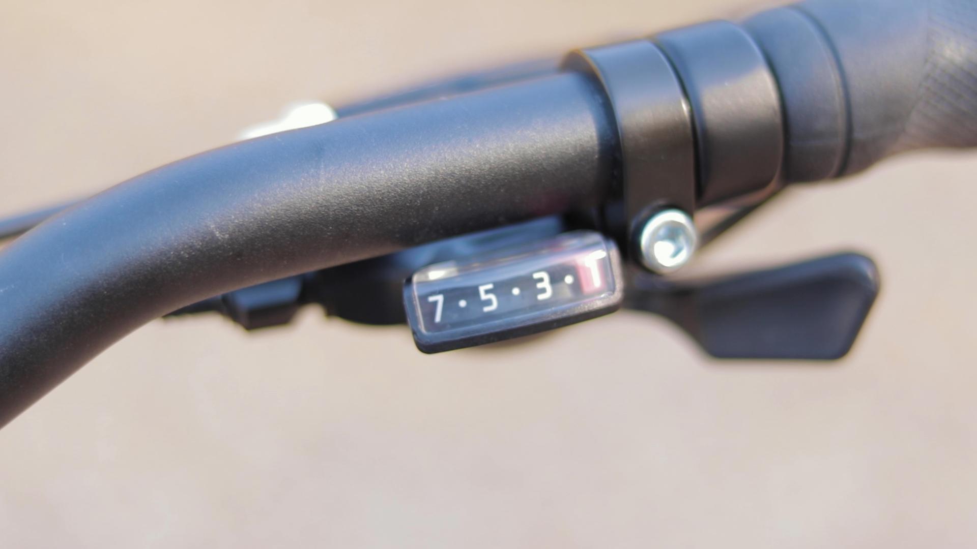 electrified-reviews-izip-e3-brio-electric-bike-review-shimano-acera-trigger-shifter.jpg