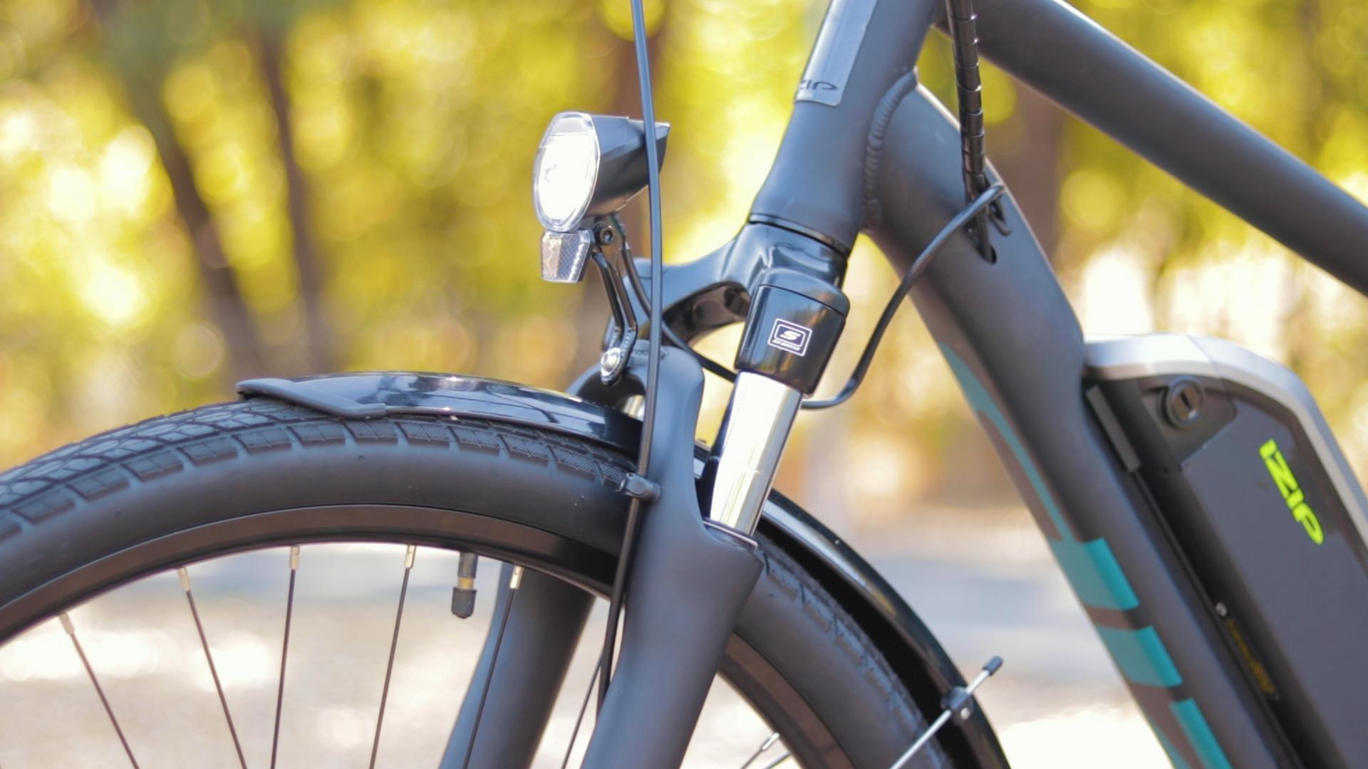 electrified-reviews-izip-e3-brio-electric-bike-review-headlight-profile.jpg