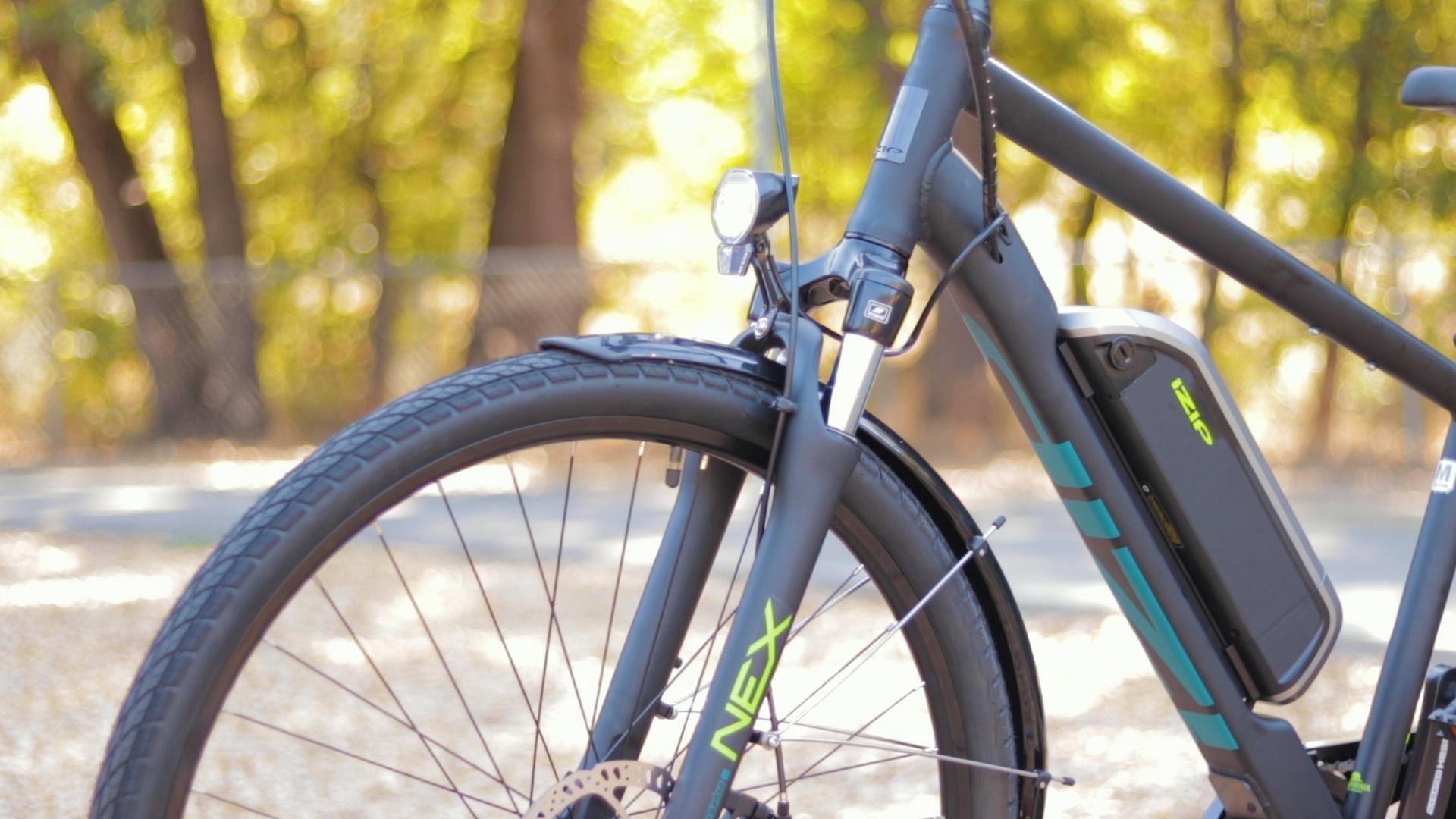 electrified-reviews-izip-e3-brio-electric-bike-review-suntour-nex-suspension.jpg