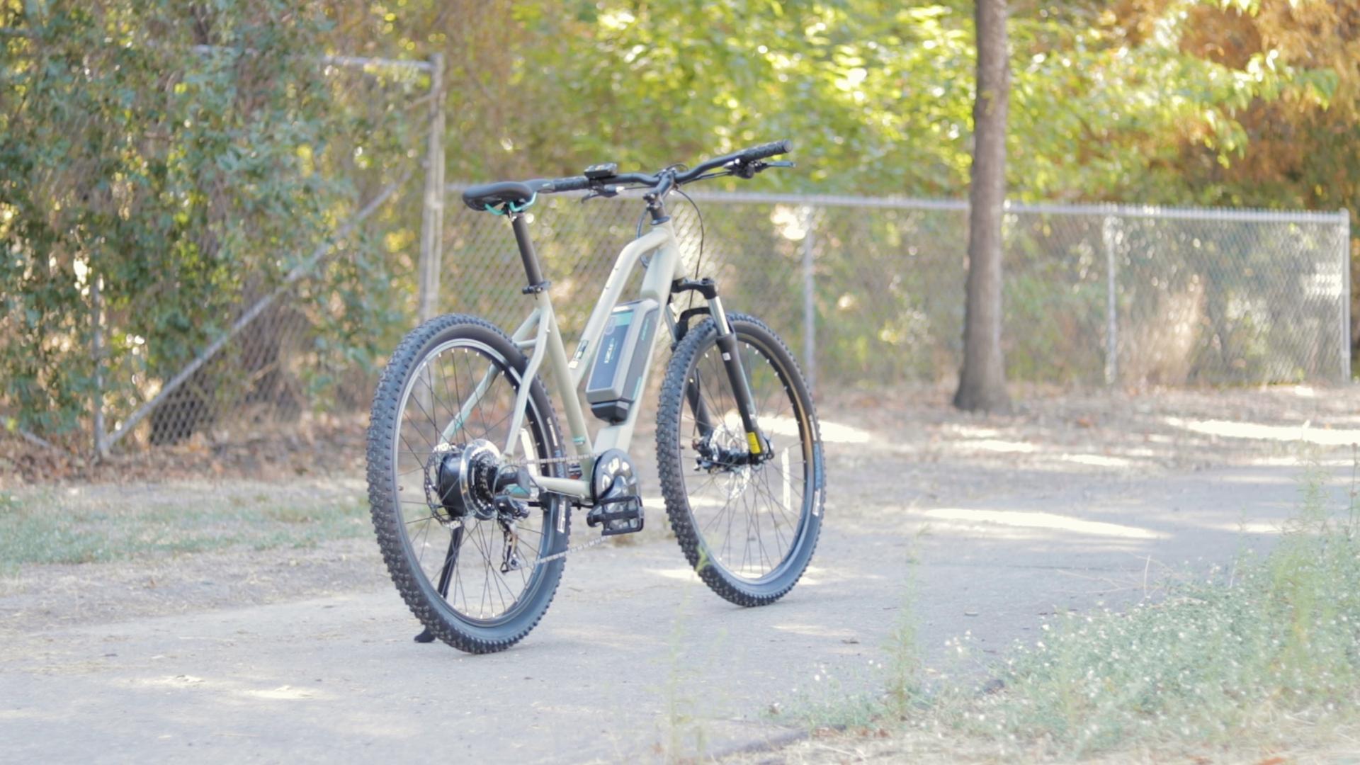 electrified-reviews-izip-trlz-electric-bike-review-profile-2.jpg