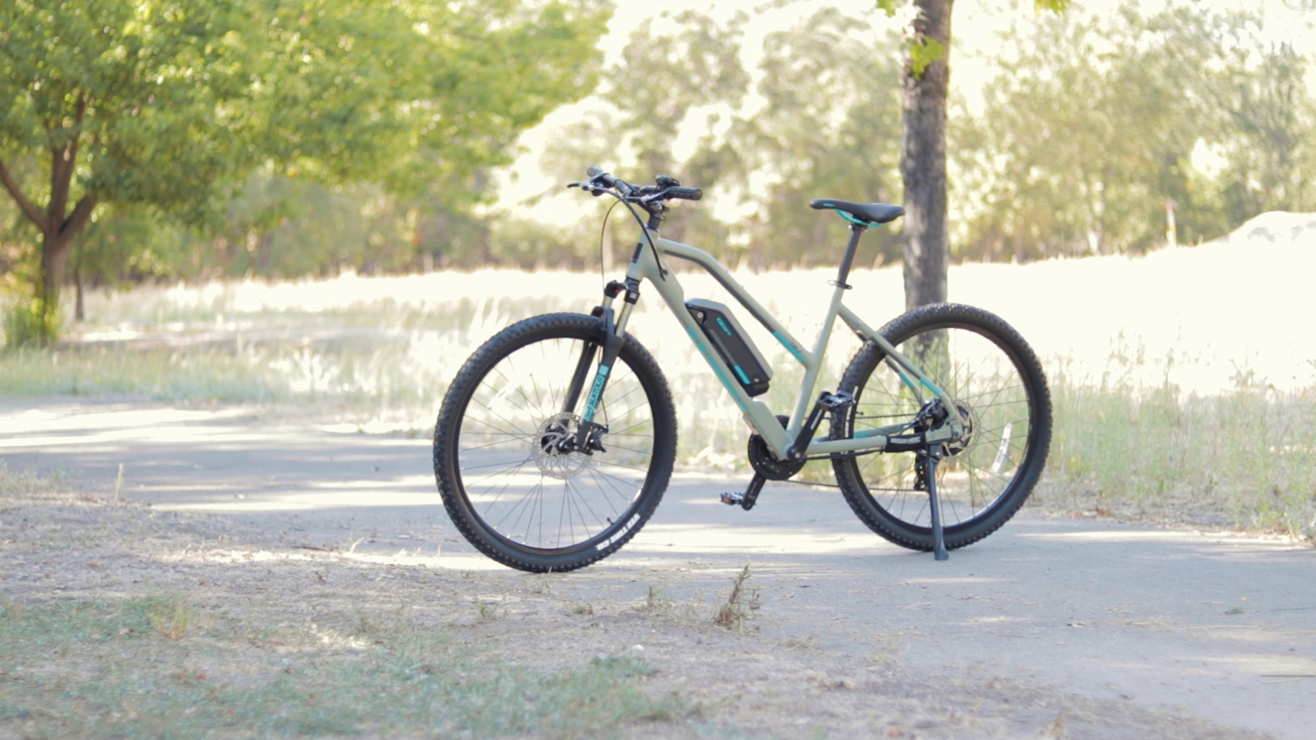 electrified-reviews-izip-trlz-electric-bike-review-profile-3.jpg