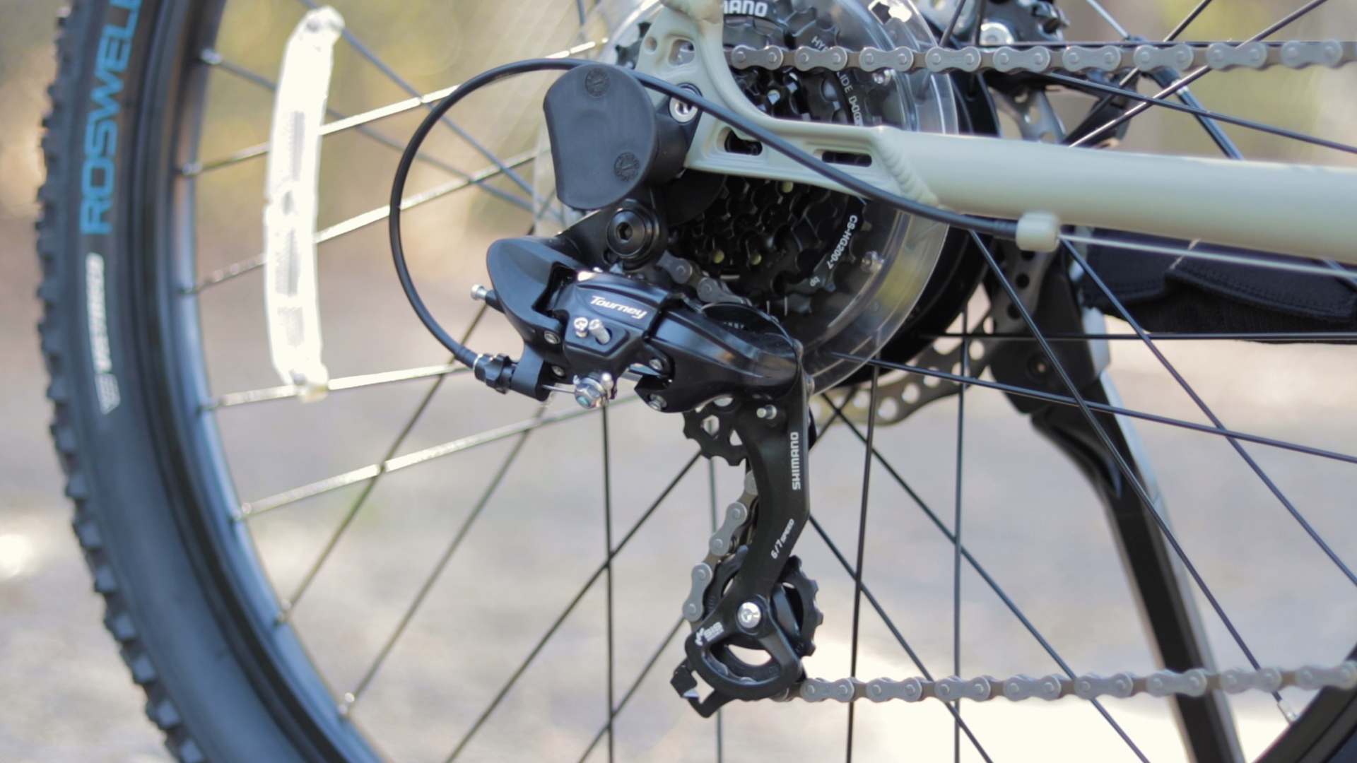 electrified-reviews-izip-trlz-electric-bike-review-shimano-tourney-derailleur.jpg