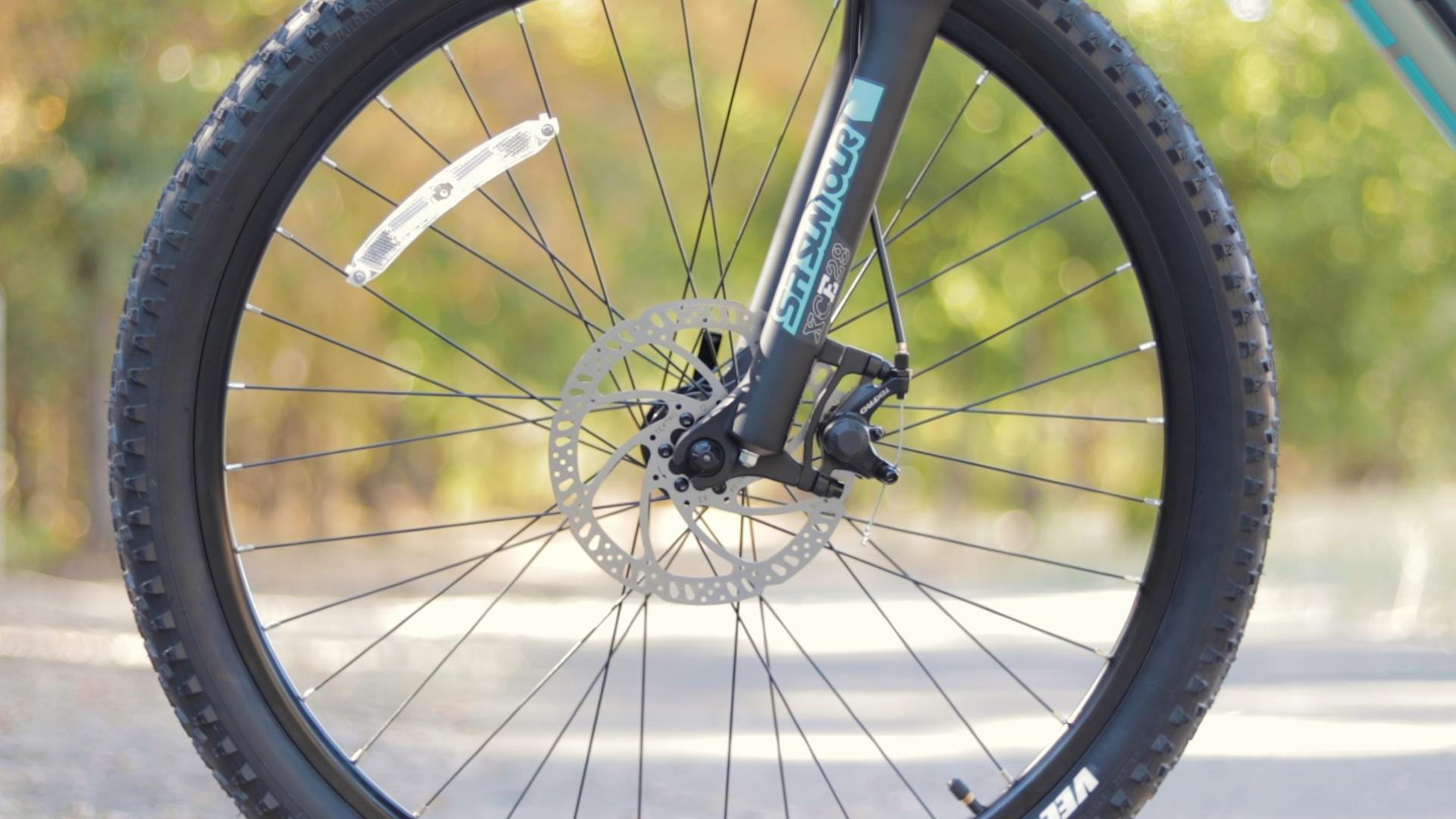 electrified-reviews-izip-trlz-electric-bike-review-tektro-disc-brakes.jpg