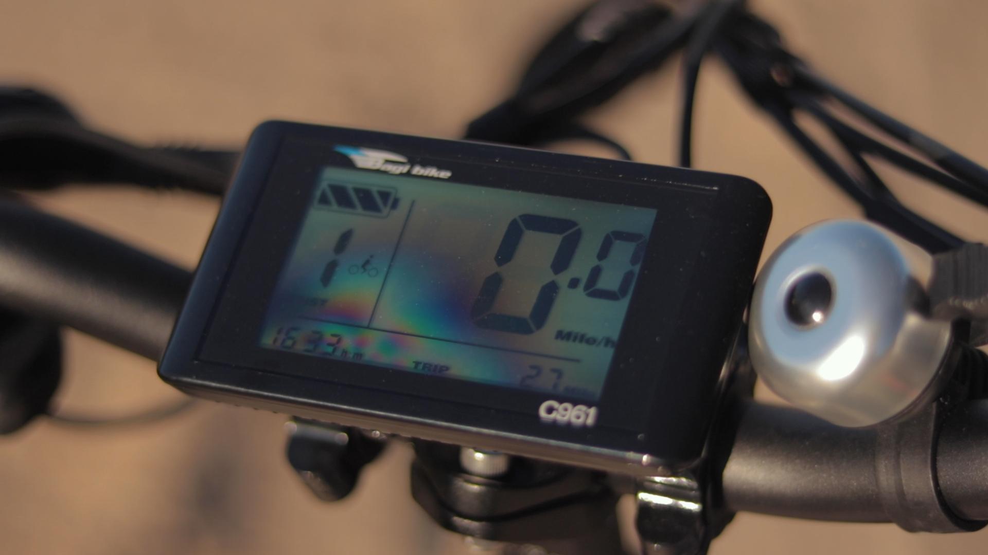 electrified-reviews-bagibike-b20-premium-electric-bike-review-bafangc961-display.jpg