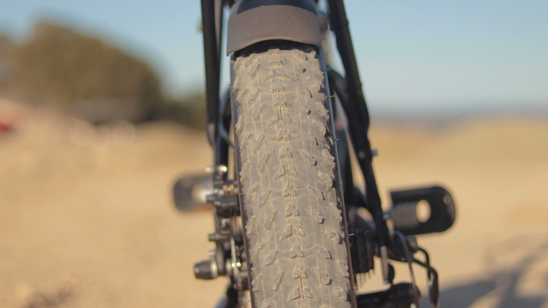 electrified-reviews-bagibike-b20-premium-electric-bike-review-tire.jpg