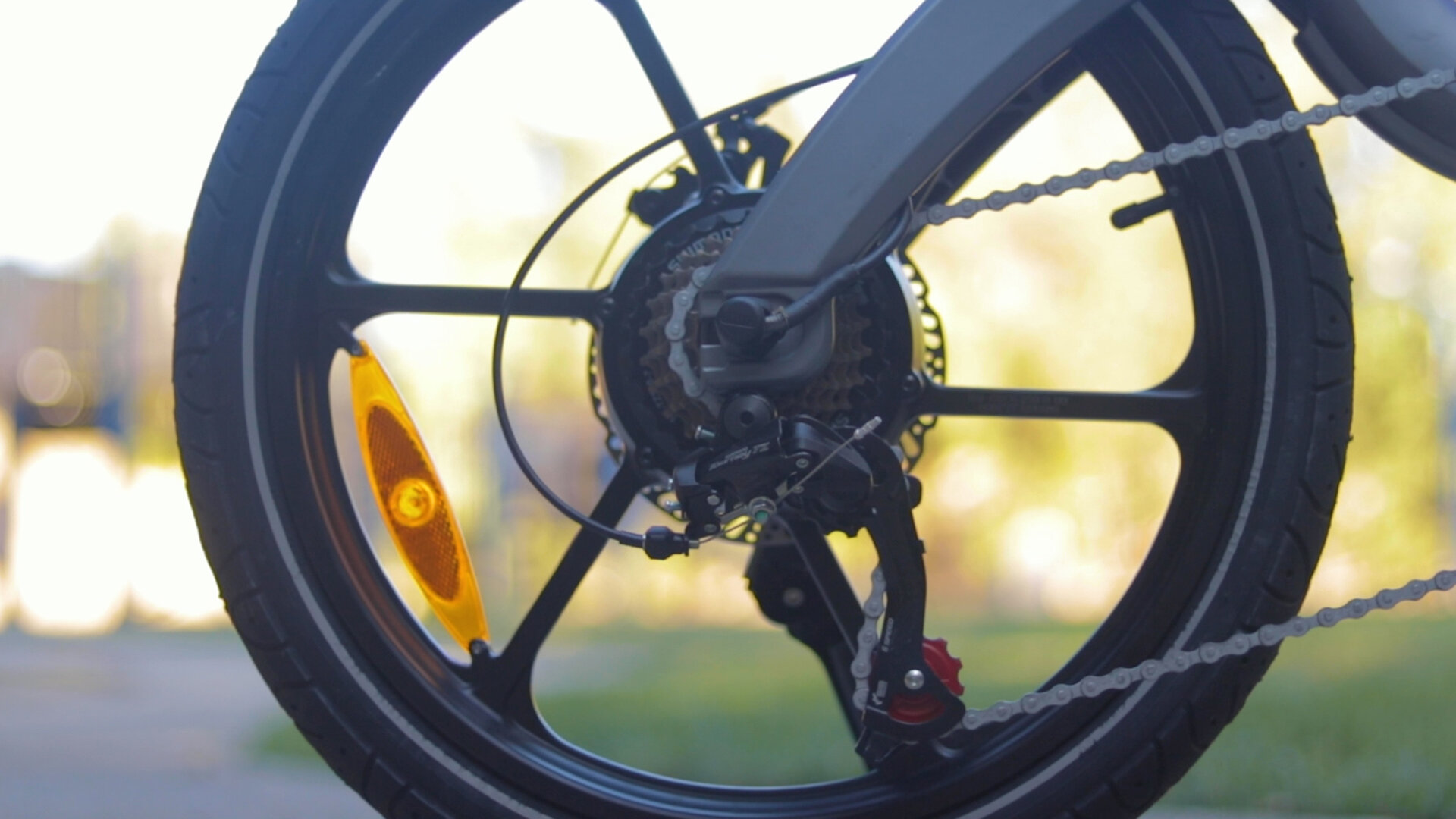 flowdot-electric-bike-review-2019-shimano-tourney-derailleur.jpg
