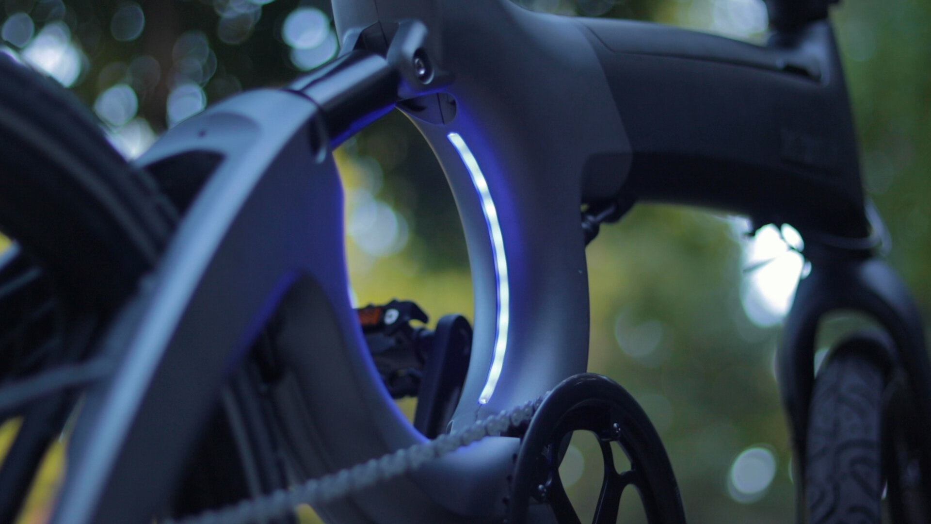 flowdot-electric-bike-review-2019-frame-ligiht-2.jpg