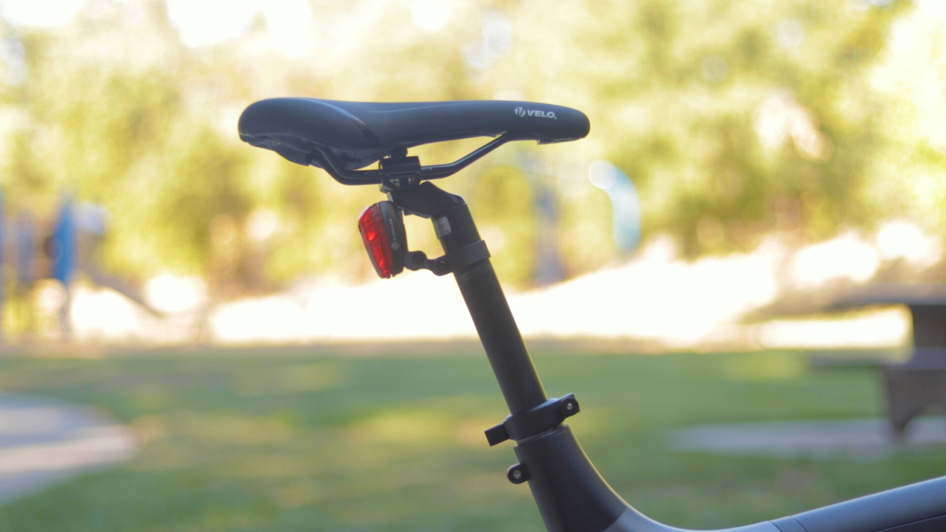 flowdot-electric-bike-review-2019-saddle.jpg