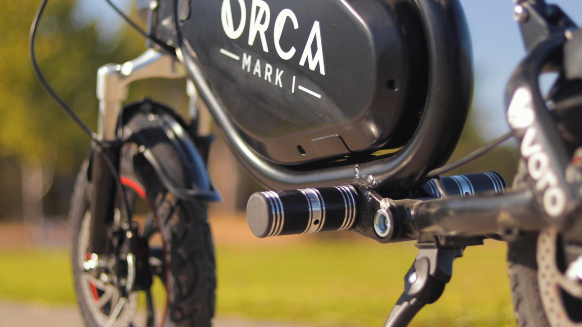 voro-motors-orca-mark-1-electric-scooter-review-2019-pegs.jpg