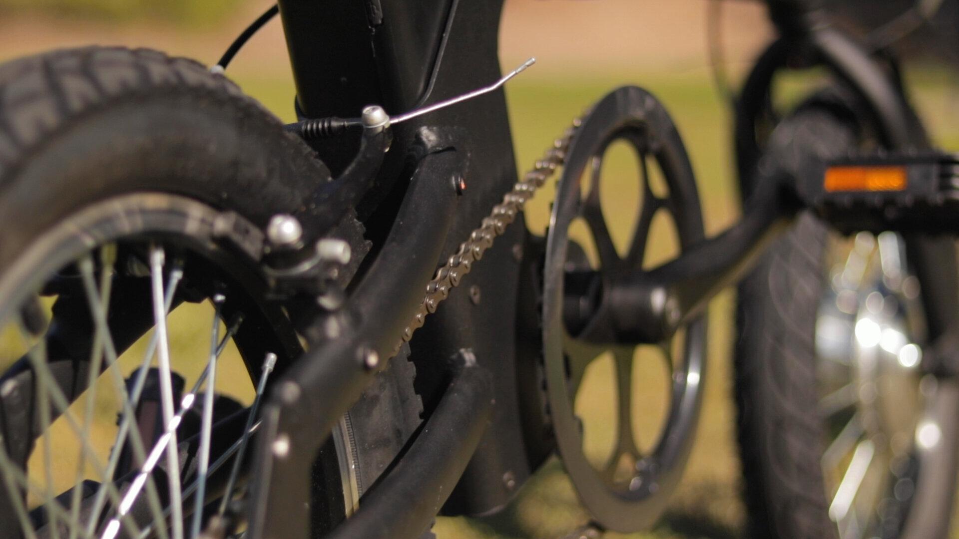 gotrax-shift-s1-electric-bike-review-2019-chain.jpg