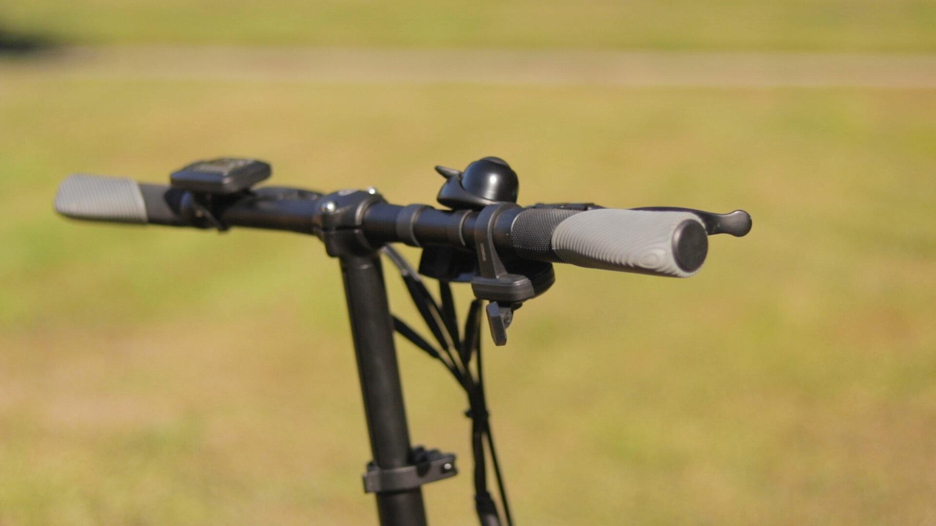 gotrax-shift-s1-electric-bike-review-2019-handelbars.jpg