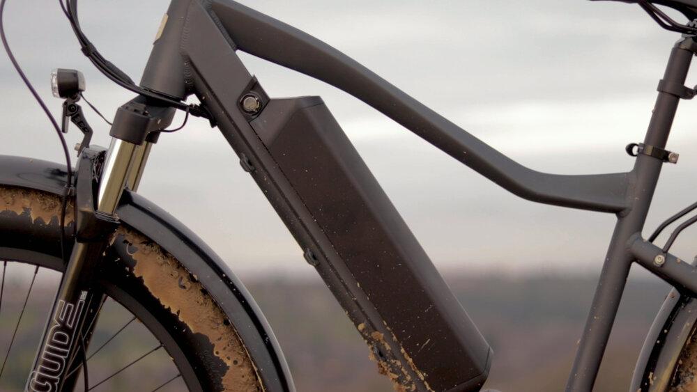 electrified-reviews-eunorau-fat-hd-electric-bike-review-2020-battery.jpg