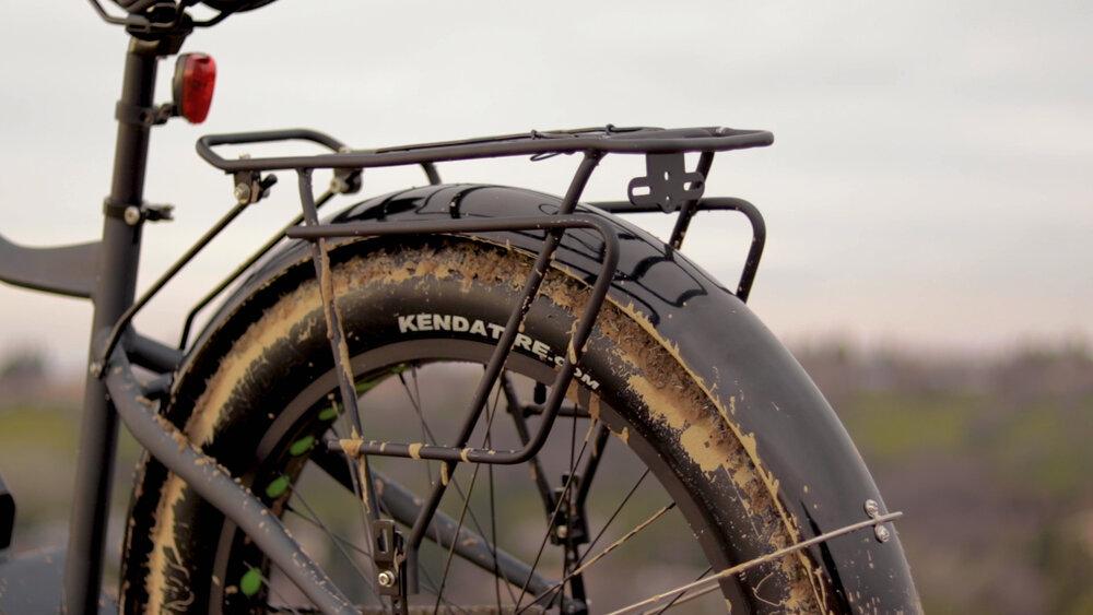 electrified-reviews-eunorau-fat-hd-electric-bike-review-2020-rear-rack.jpg