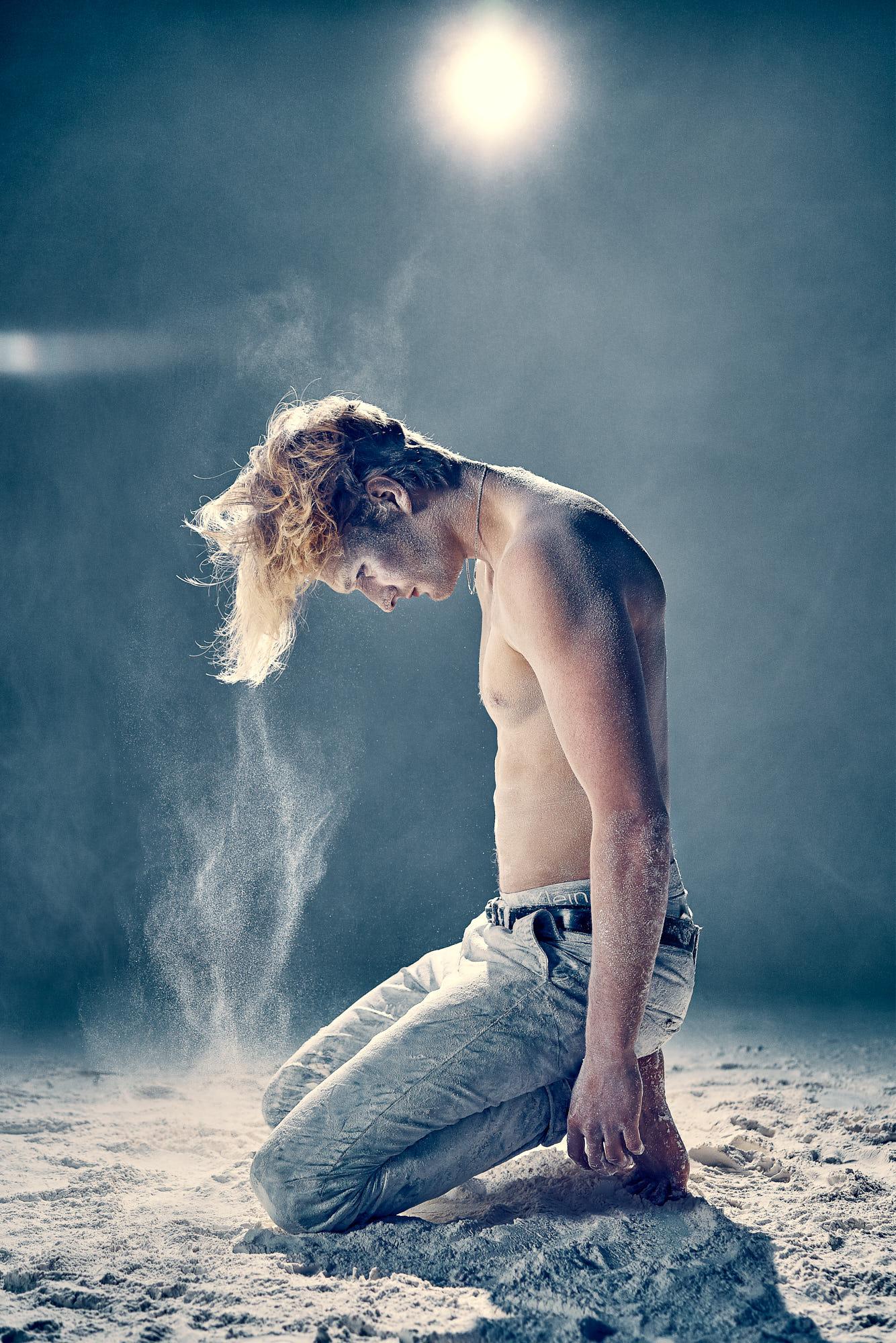 Lex & Josh Powder Break Dance with Magnus 6.jpg