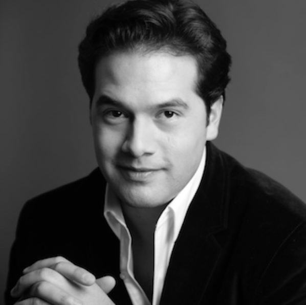 Robert Trevino . Conductor