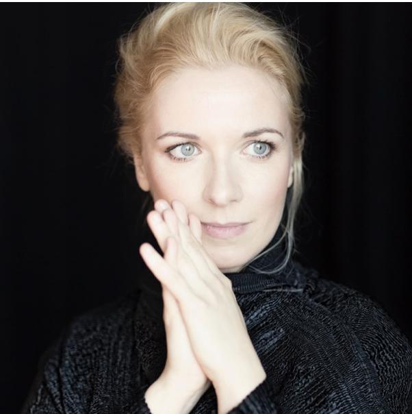 Tamara Stefanovich . Pianist