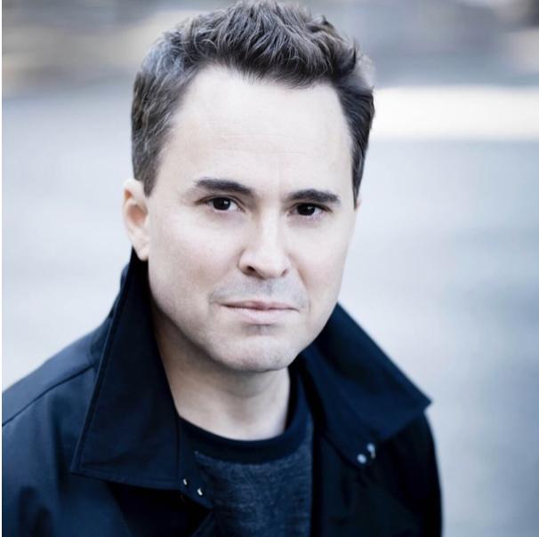 Garrett Kaest . Conductor