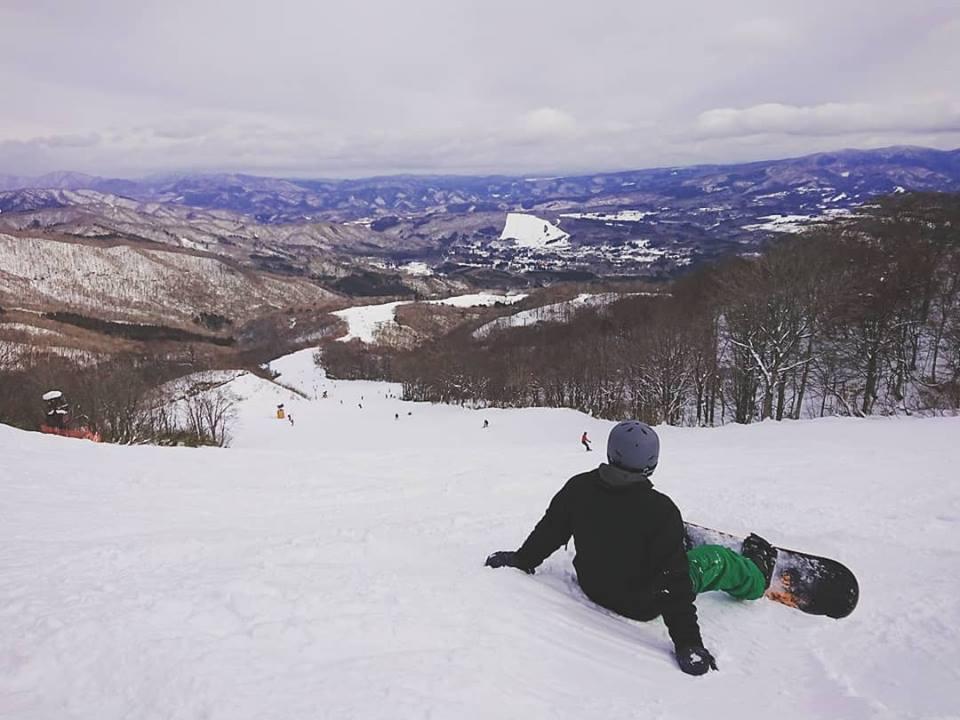 skiing profile.jpg
