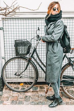 Winter Mobile Blogger Presets — LOU & MARKS PRESETS