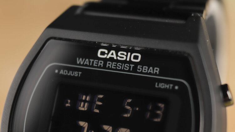 casio-b640-black.jpg