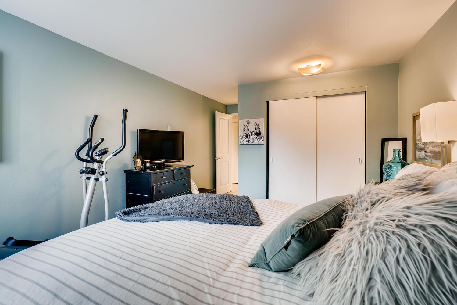 7021 Sand Point Way  B210-large-016-018-Master Bedroom-1499x1000-72dpi.jpg