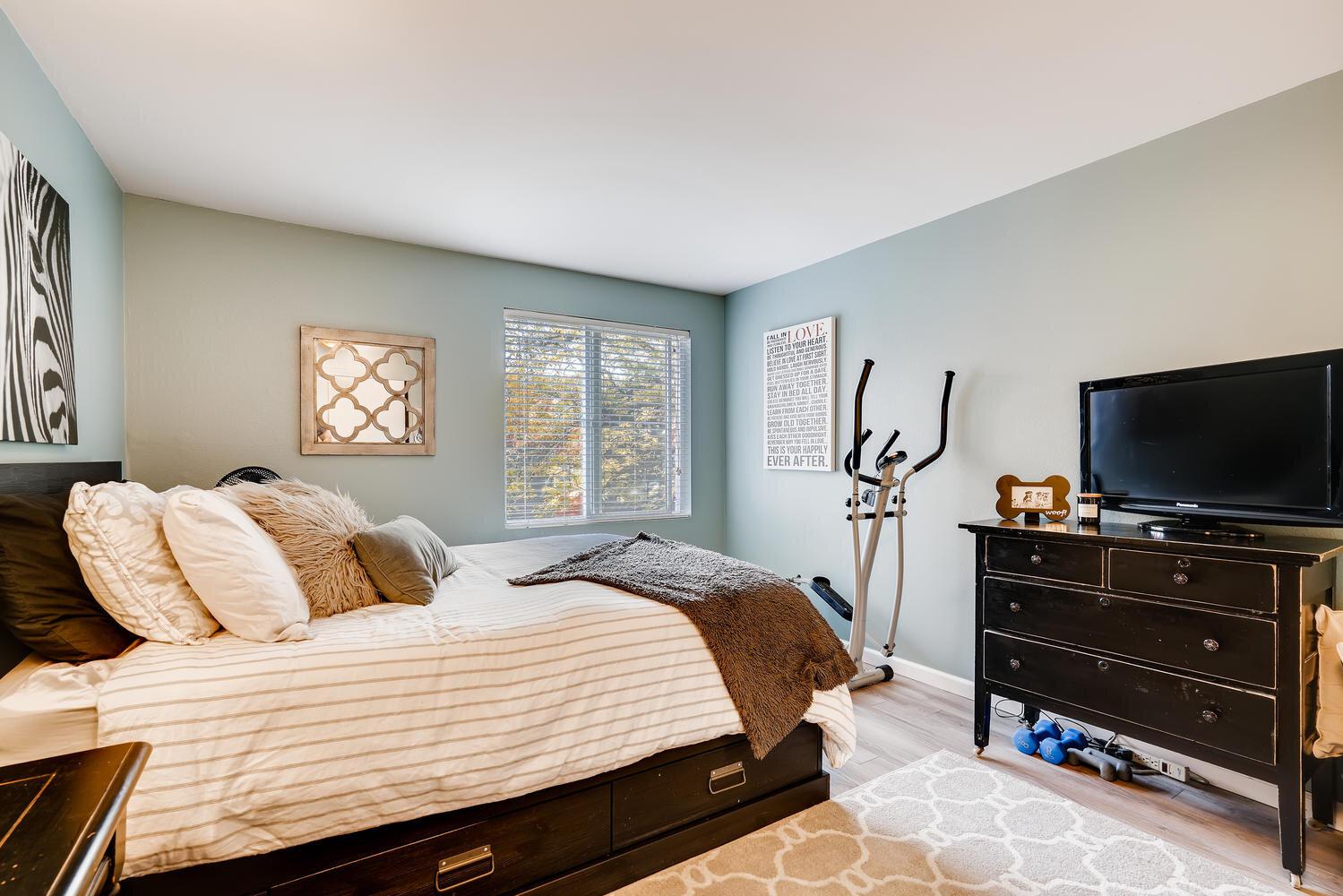 7021 Sand Point Way  B210-large-017-023-Master Bedroom-1499x1000-72dpi.jpg