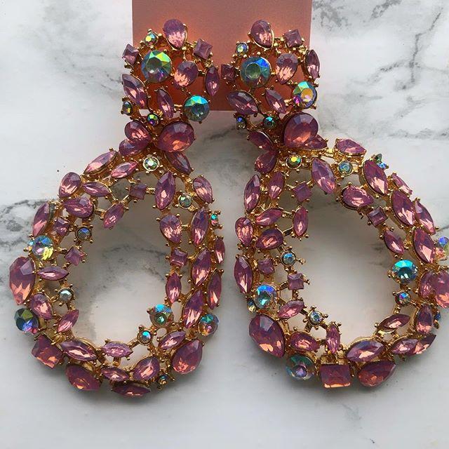 """Hello """"SUMMER"""" 🌺  Who doesn't love pink accessories ?!😻 #londonfashion #earrings #ladiesjewelry #statementearrings #diamondearrings"""