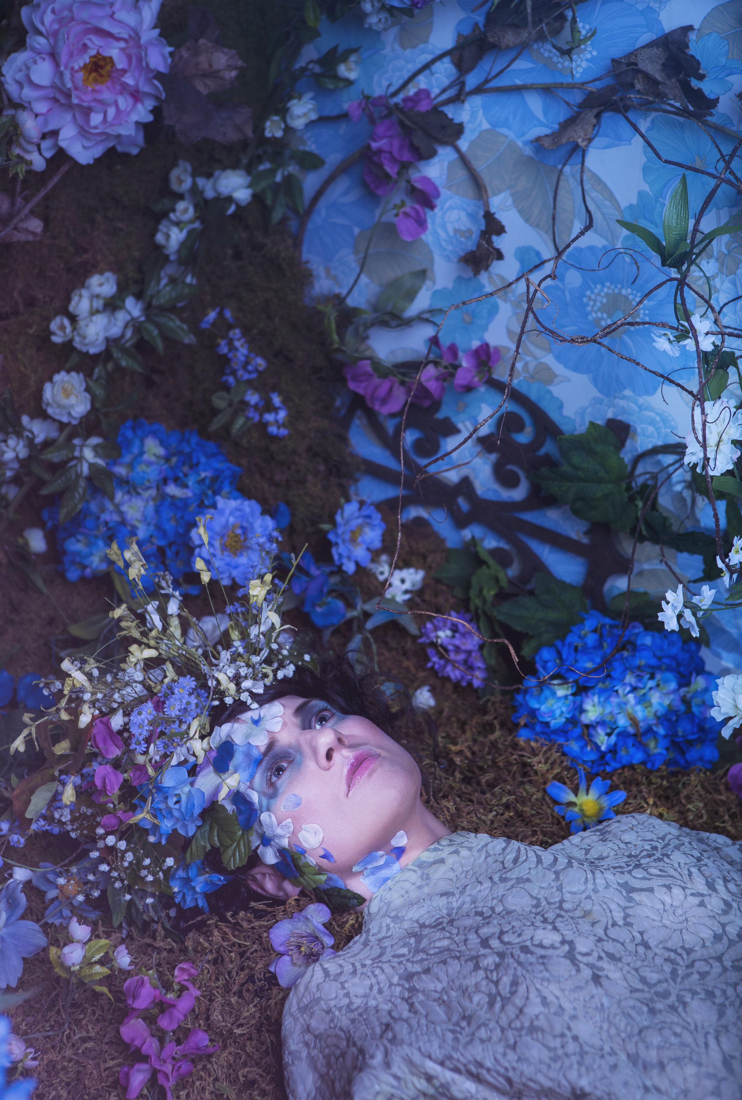 Floral_5star-3_W.jpg