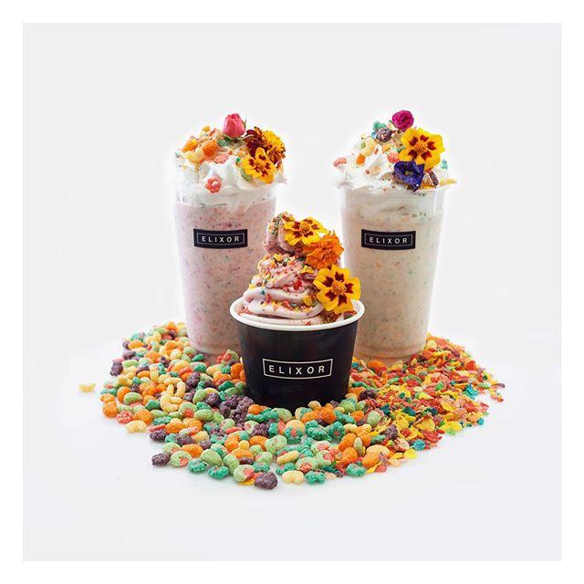Presentamos los sabor exclusivo del mes para #Feriadelasflores. Esta mezcla incluye Trix con fruity Pebbles mezclados con Flores 🌺comestibles. Mezclado en base de vanilla o Coco 100% Vegano. Ven a probarlo, no te lo pierdas ! Solo para el mes de Agosto! #elixortempations #treatyourself