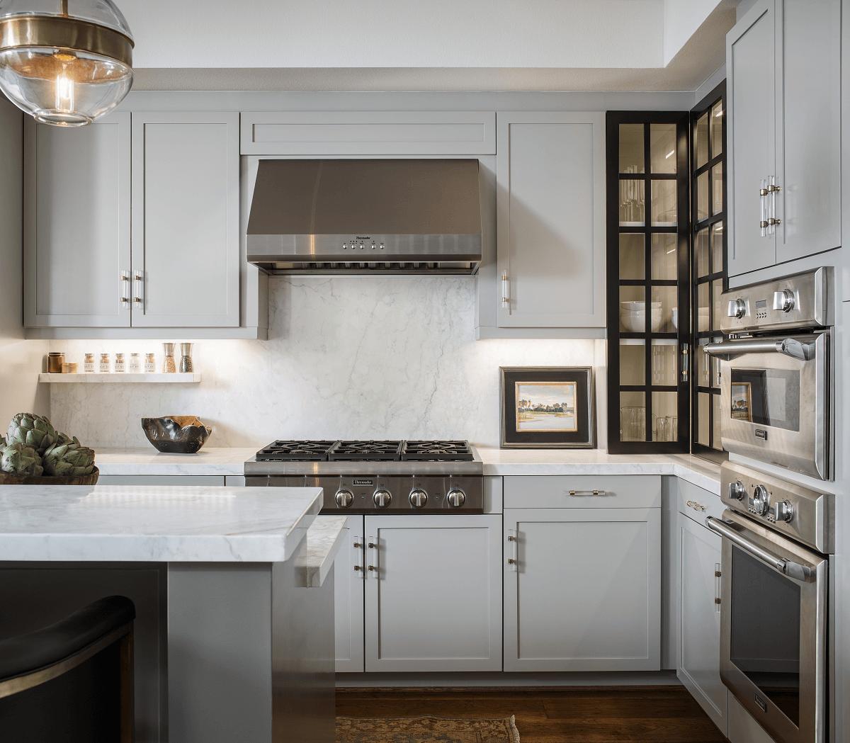summer-neutral-interior-design-trend-kitchen.png