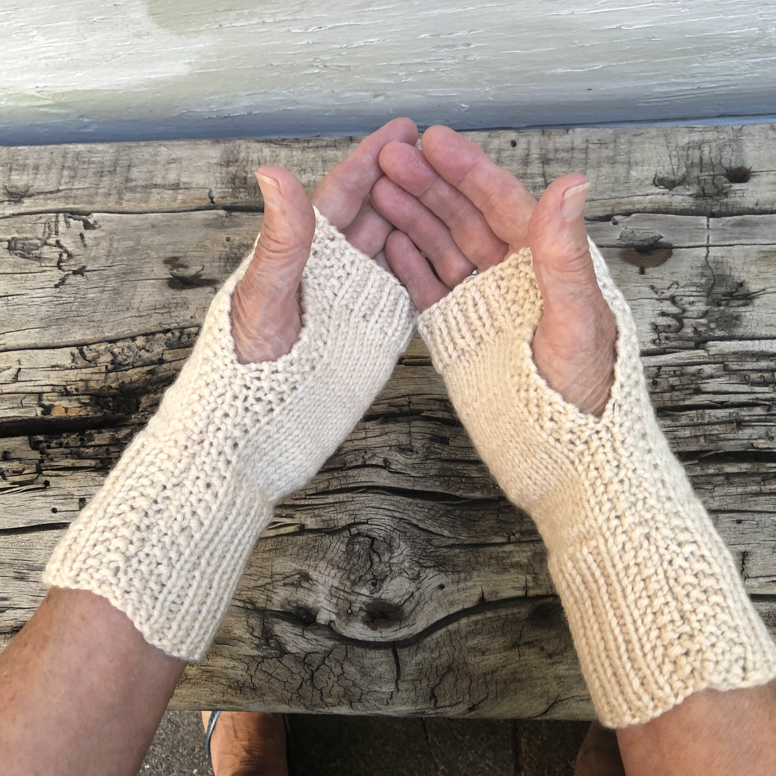 NewFingerlessMitts.jpg