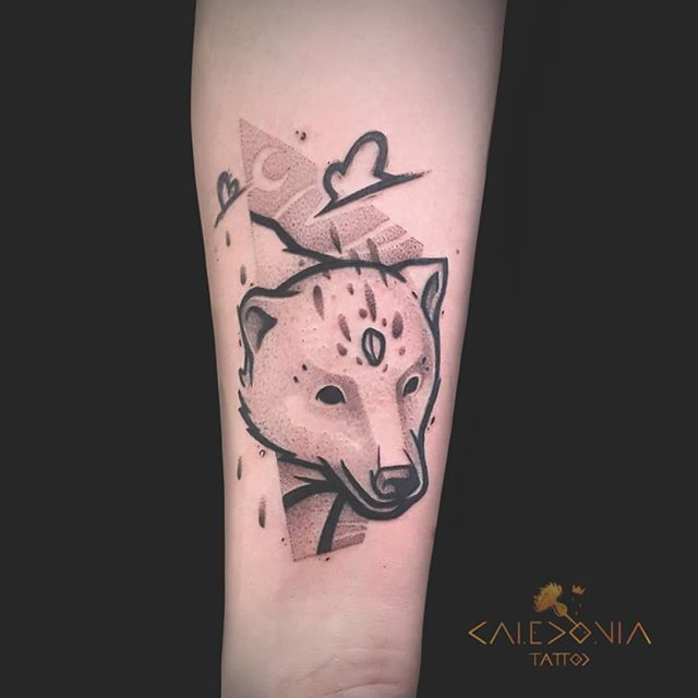 """""""Polar bear""""  I always love to create animal portraits. Thanks to Rhoanna for this super cool tattoo project!  For any tattoo enquiry, please contact me directly on my new website: www.caledoniatattoo.com  Link in bio."""