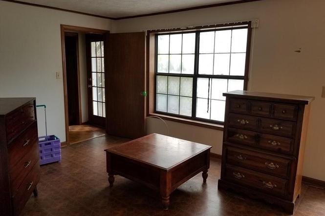 lakehouse for sale.jpg