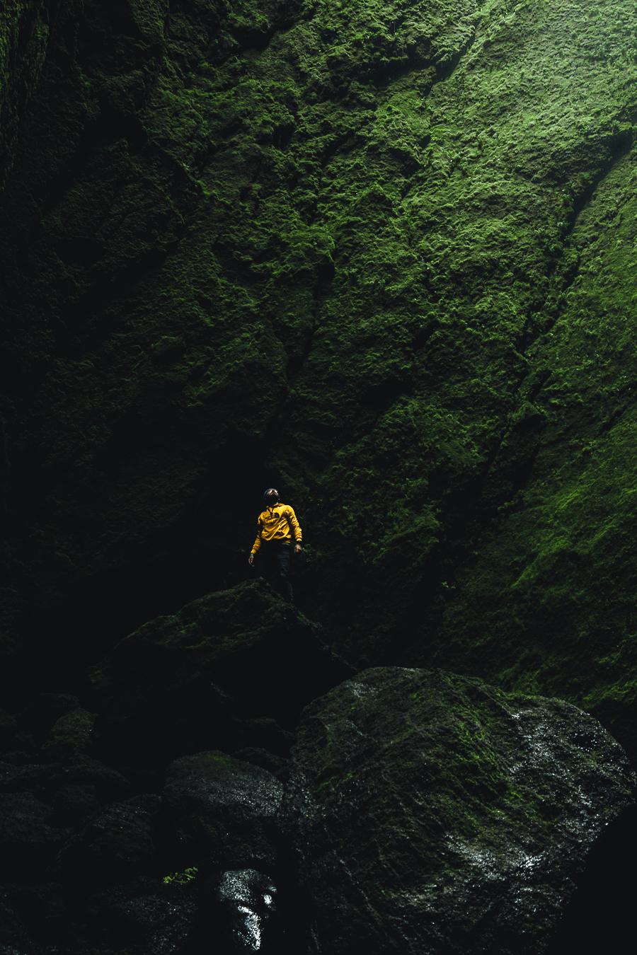 gabornagy_volcano_huts08.jpg