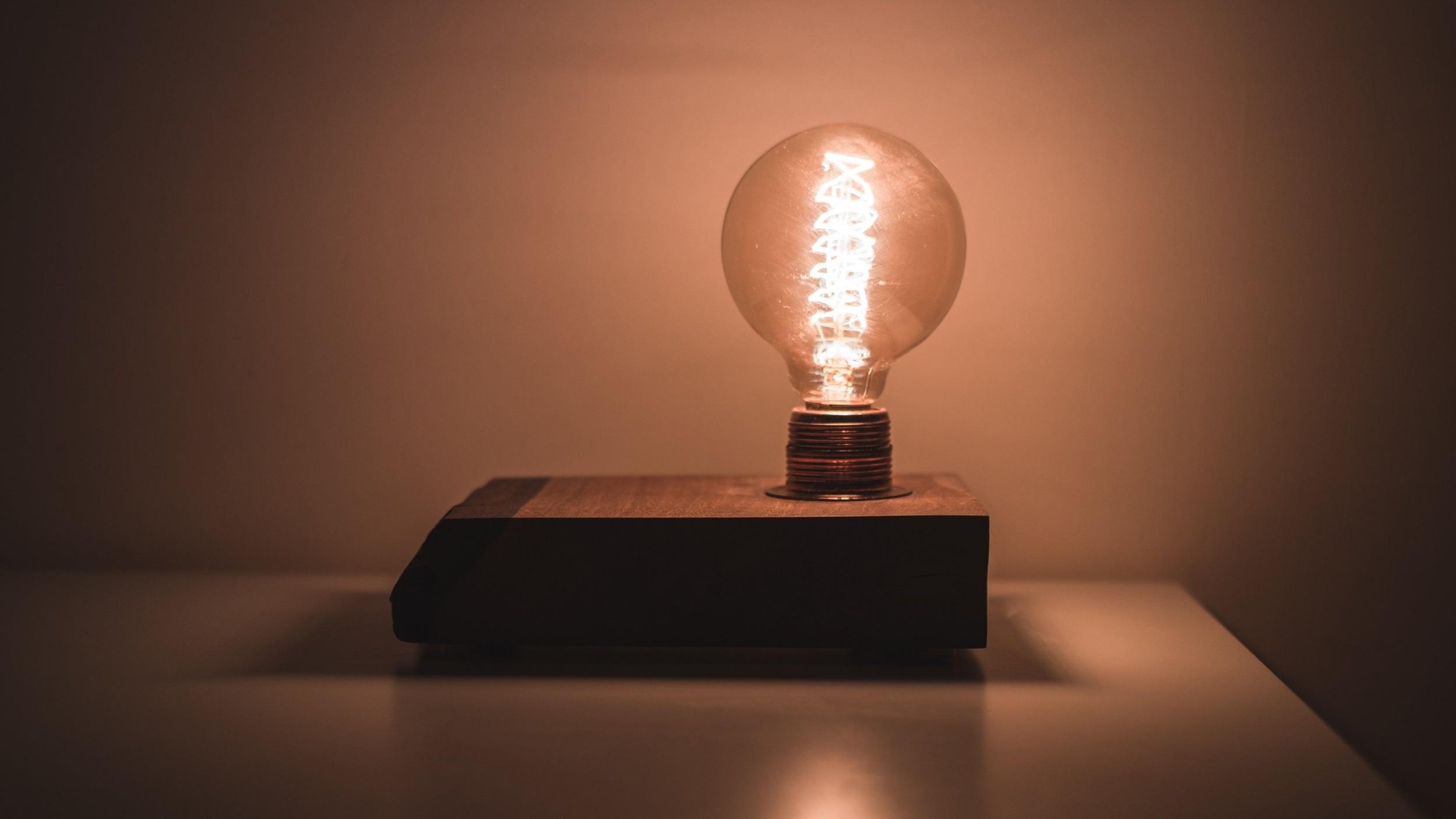 art-bulb-business-1252807.jpg