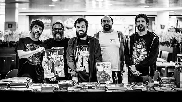 Equipe Raio Laser completa! Da esquerda para a direta: Márcio Jr., Lima Neto, Pedro Brandt, Ciro I. Marcondes e Marcos Maciel de Almeida. Foto por Thaís Mallon.