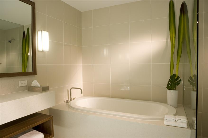 Peppers-The-Sands-Bathroom.t35162.jpg