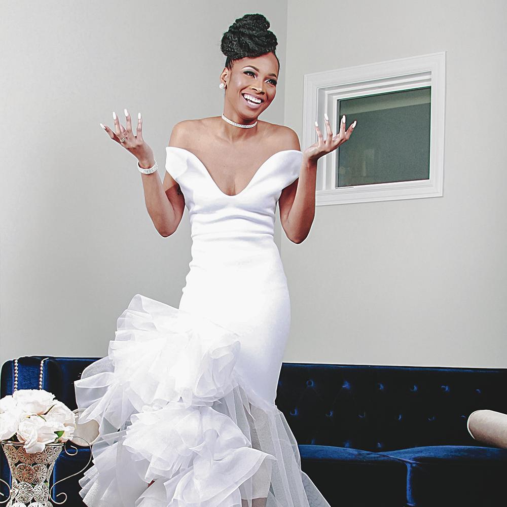 lauryelle bridal dress3A2-SQ.png