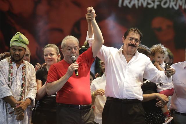 Lula de Silva and Manuel Zelaya ( CUT no Fórum )