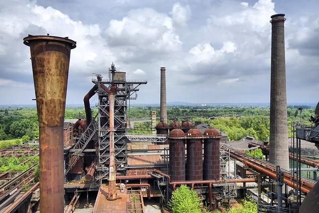 Abandoned steel production plant ( Edwin van Buuringen )