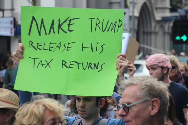 Make Trump release his tax returns ( Takver )