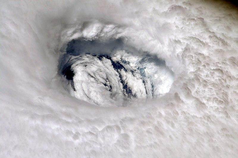 Hurricane Dorian Eye ( Hurricane Dorian Eye )