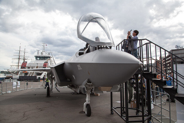 F-35 and boats ( Tom Bech )